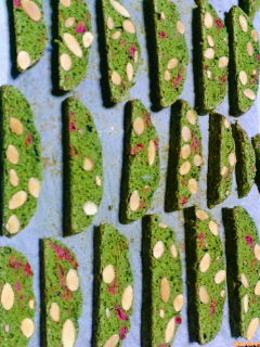 桜と抹茶のビスコッティ
